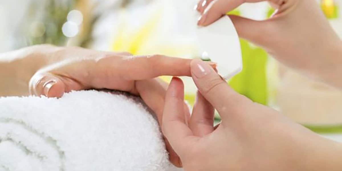 Manicura japonesa para tus uñas