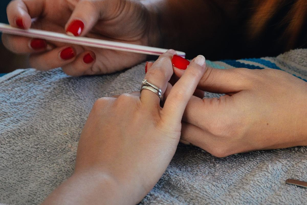 Cómo quitar uñas acrílicas