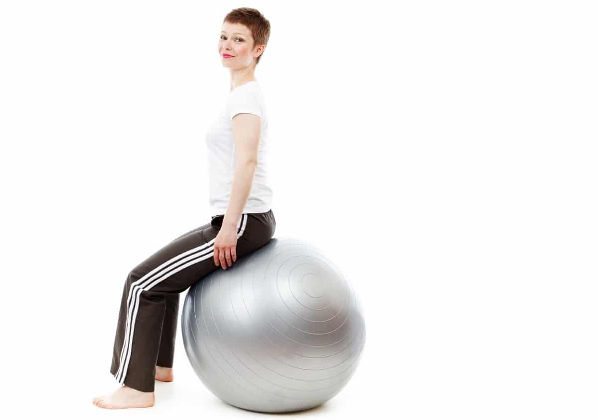 Ejercicios Pilates balón