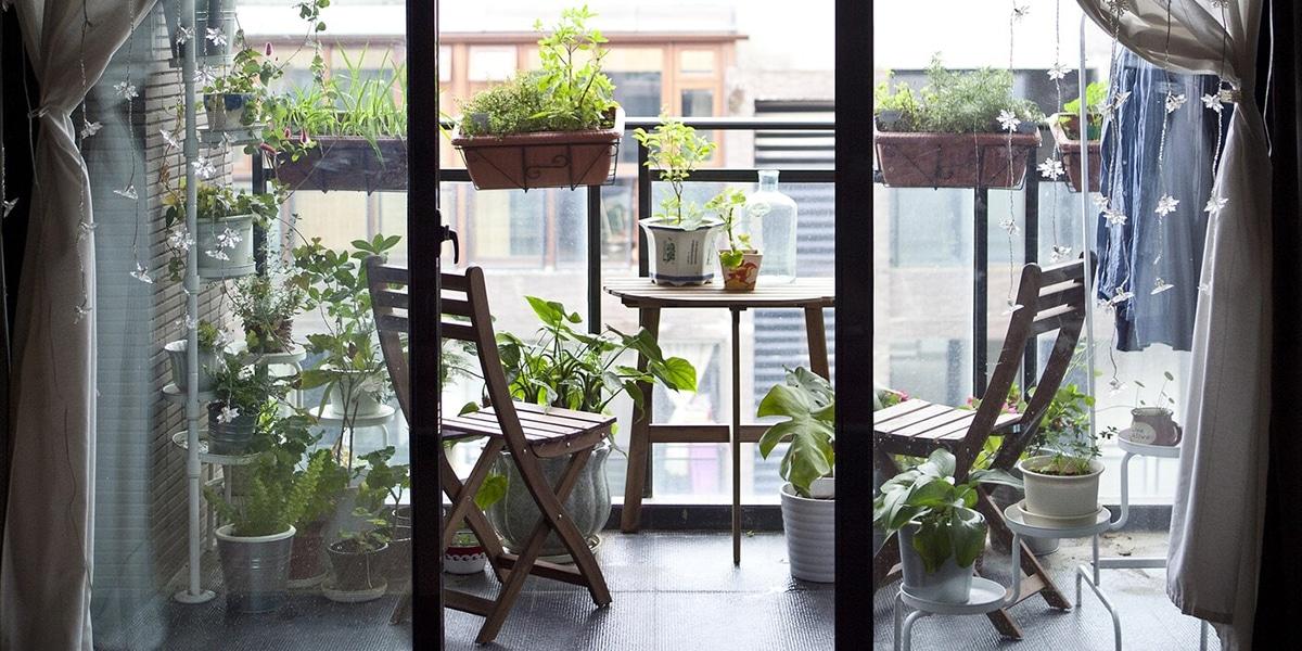Decora el balcón con muebles plegables