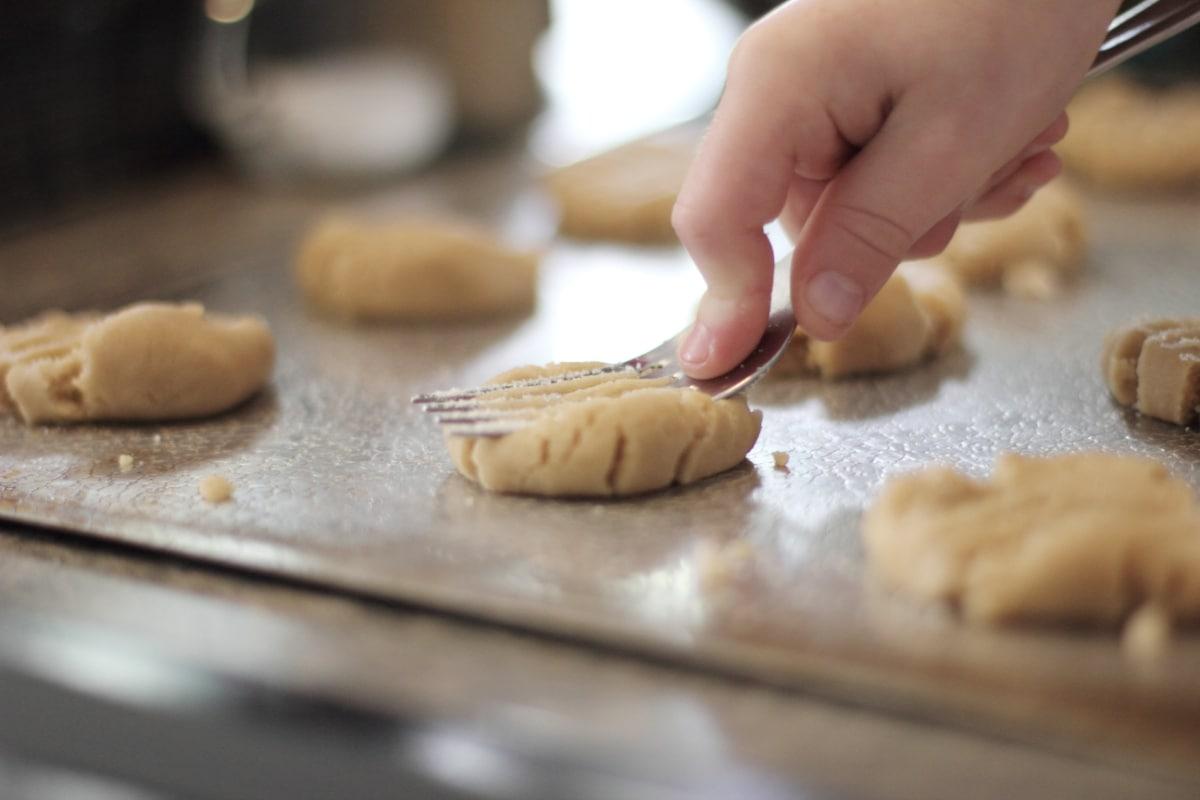 Cocina galletas con los niños, y disfrutaréis