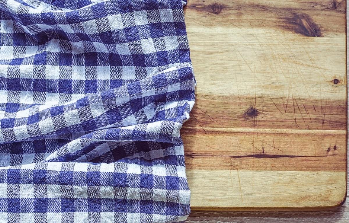 Desinfectar la tabla de cocina