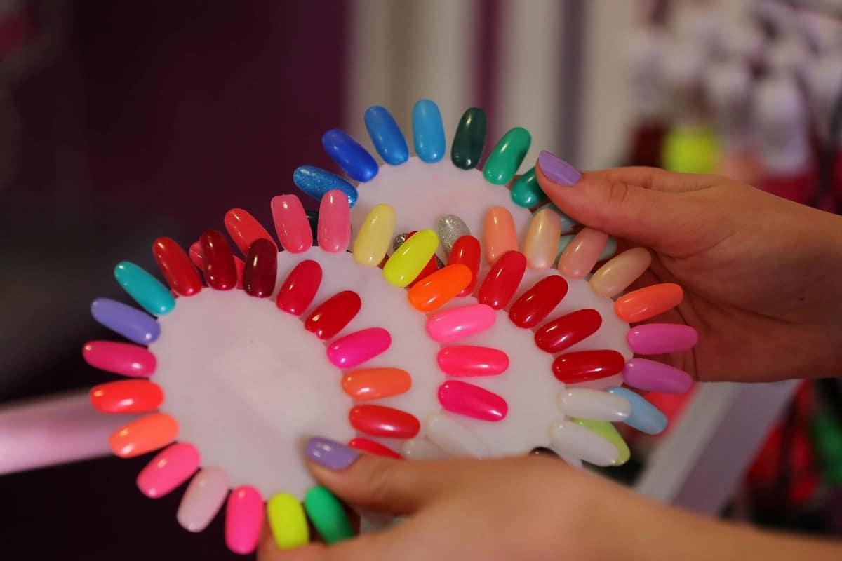 Cómo blanquear las uñas rápido