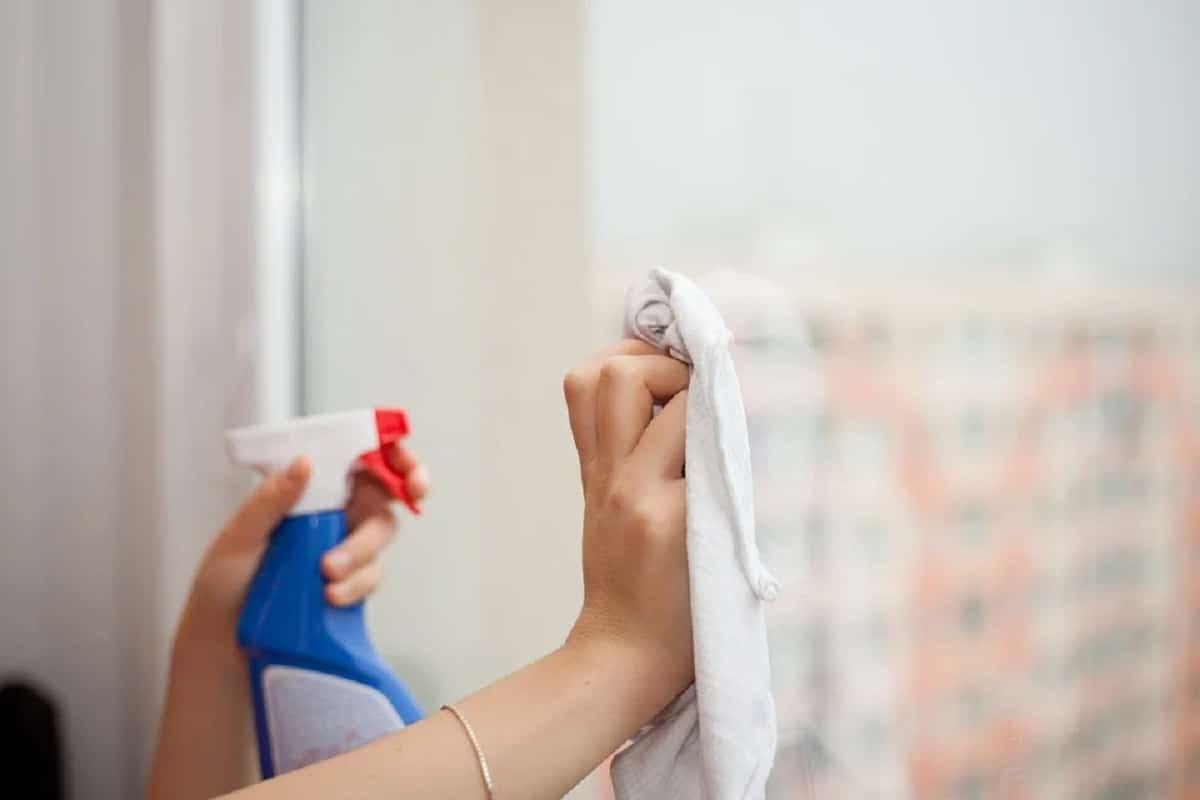 Trucos para limpiar los cristales