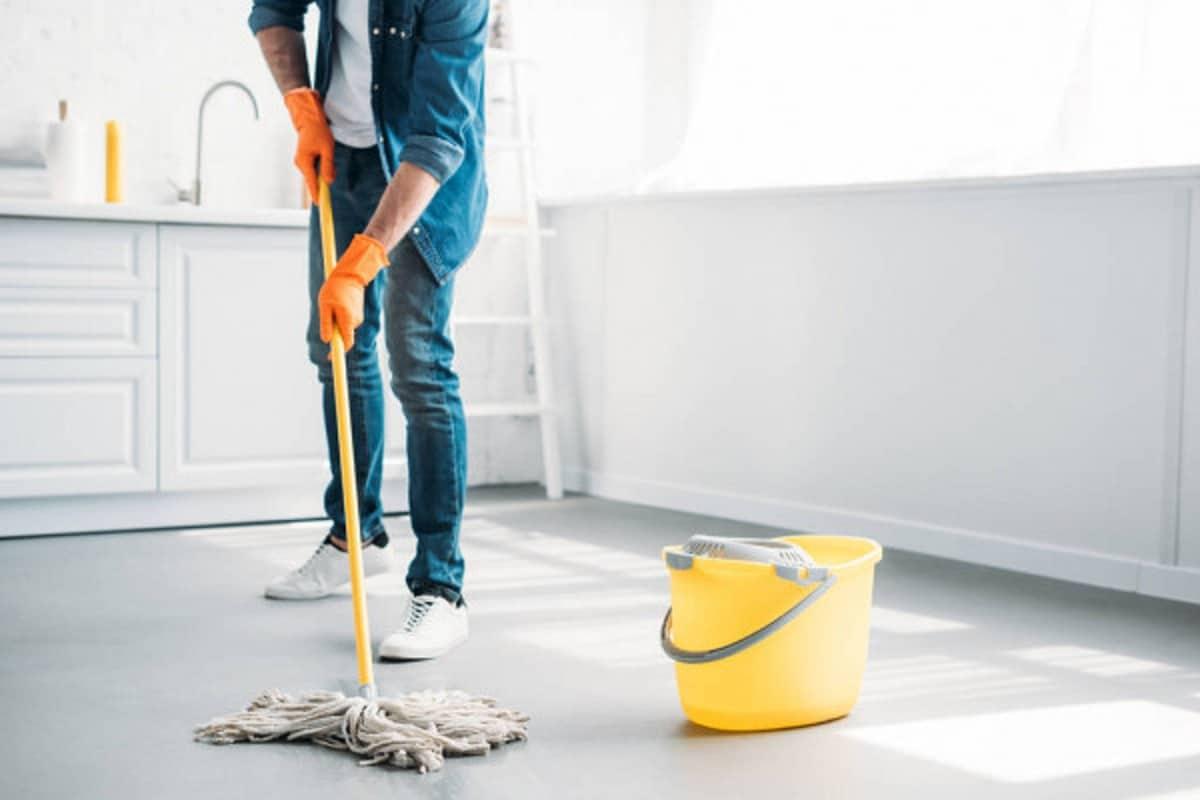 Limpiar manchas de pintura del suelo