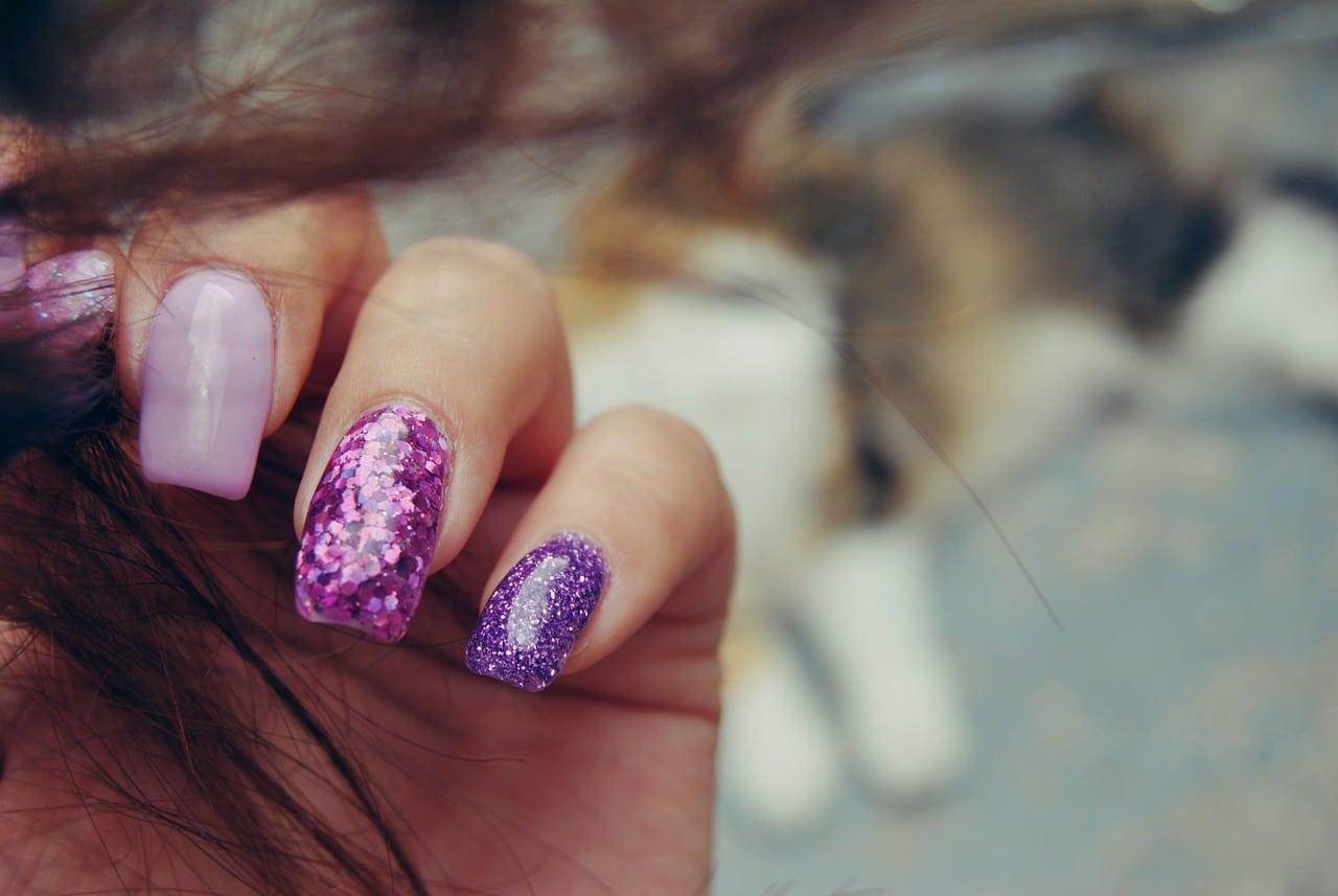 Beneficios de las uñas glitter