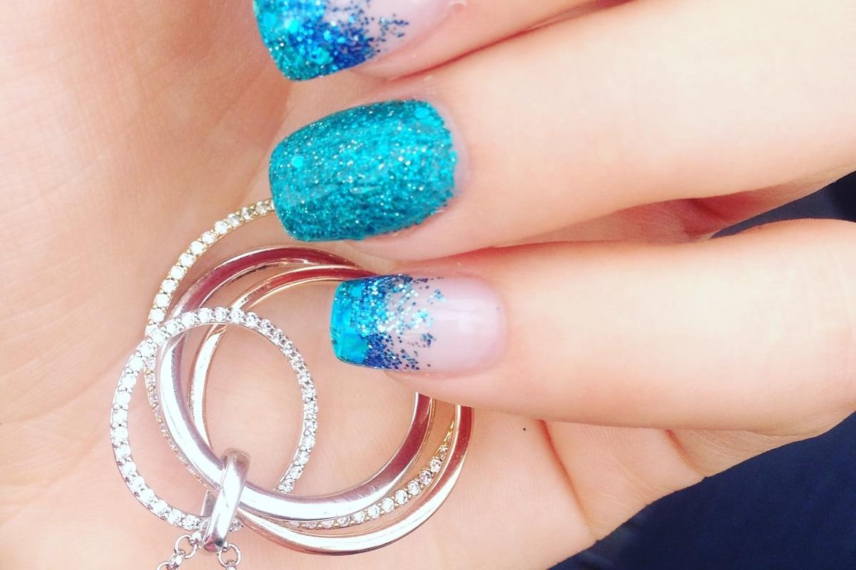 Estilos de uñas con purpurina