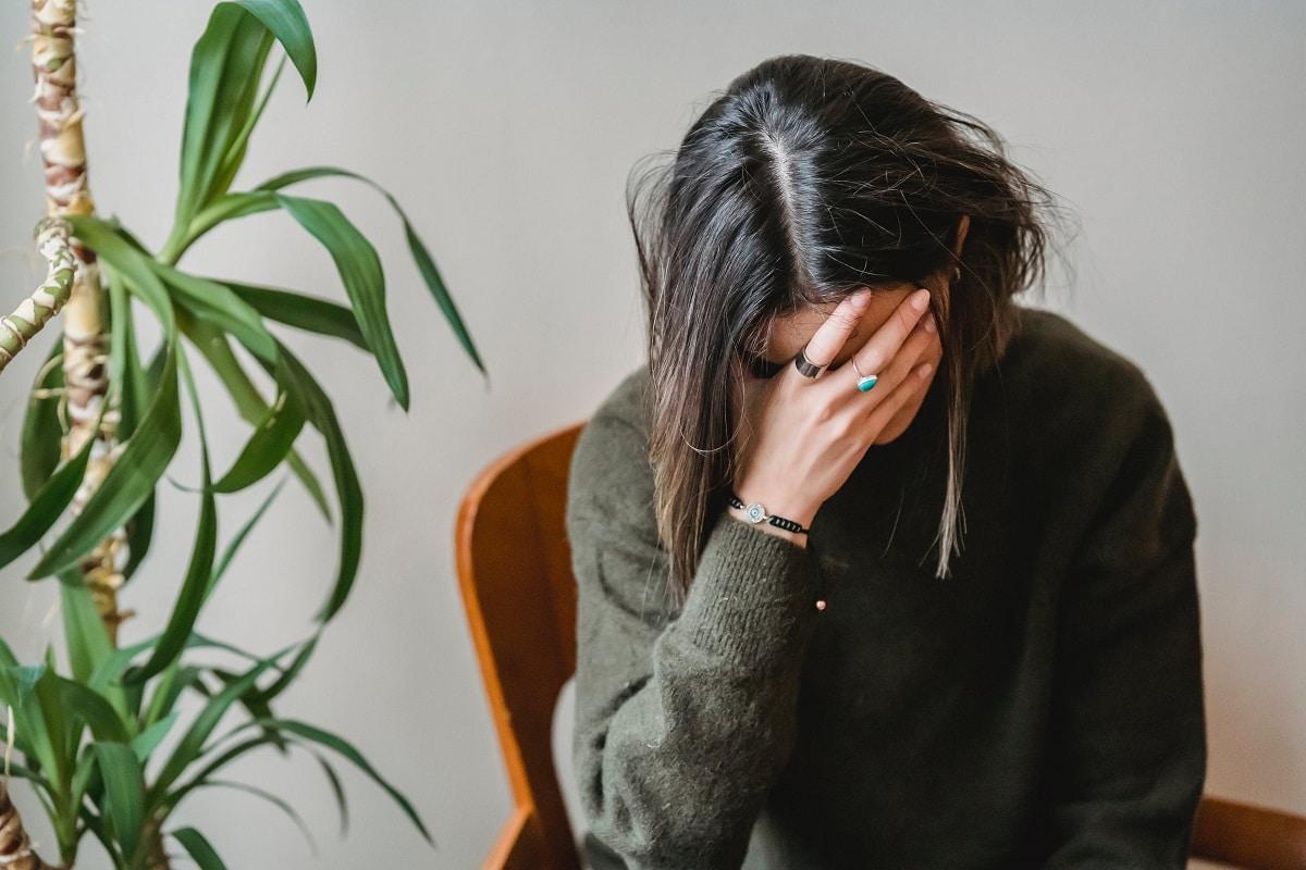 El estrés produce canas