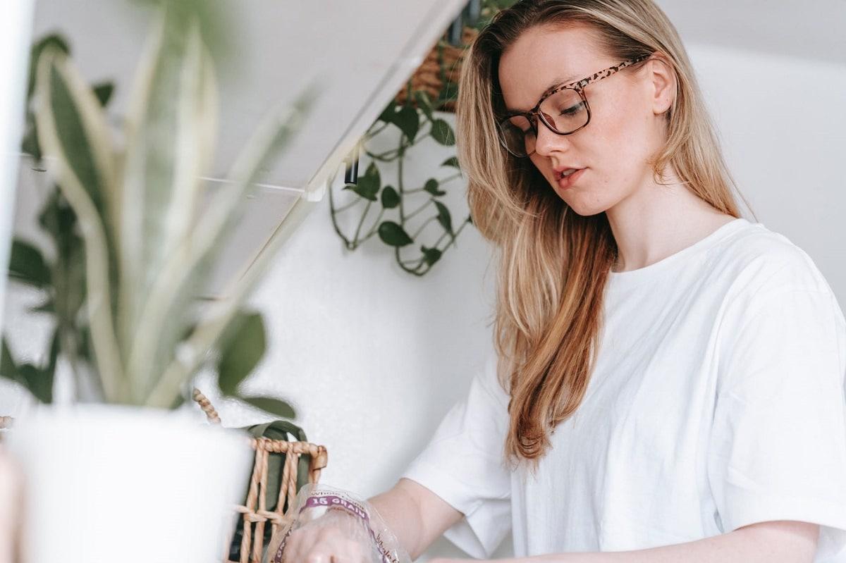 Limpiar las gafas y evitar el acné