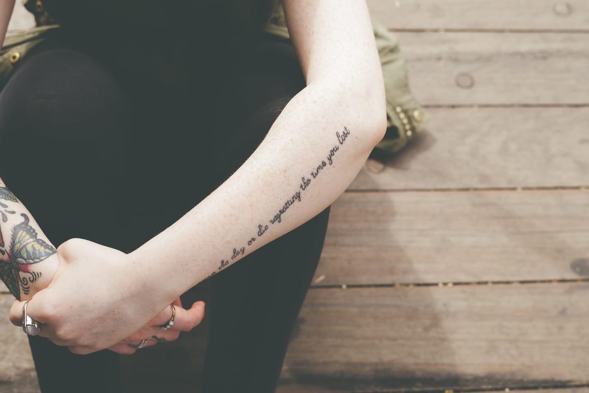 Tapar tatuaje fácil