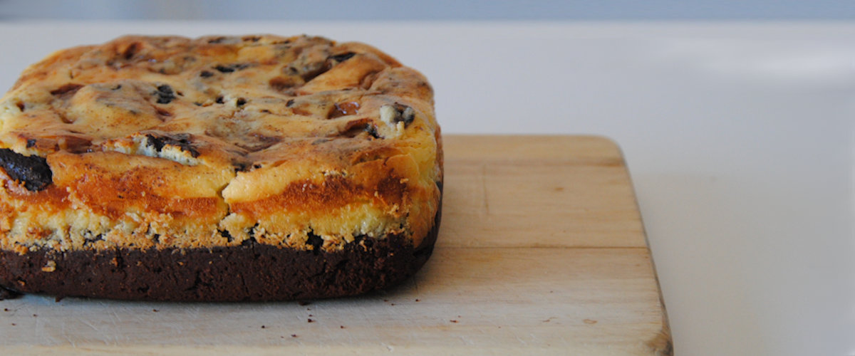 Brownie cheesecake con dulce de leche y canela